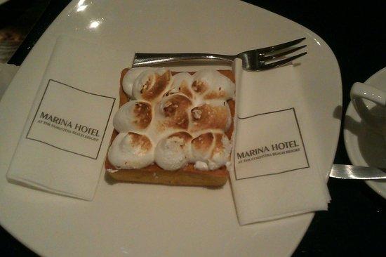 Marina Hotel Corinthia Beach Resort: dessert