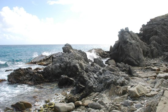 Peter Island Resort and Spa: Rocks!