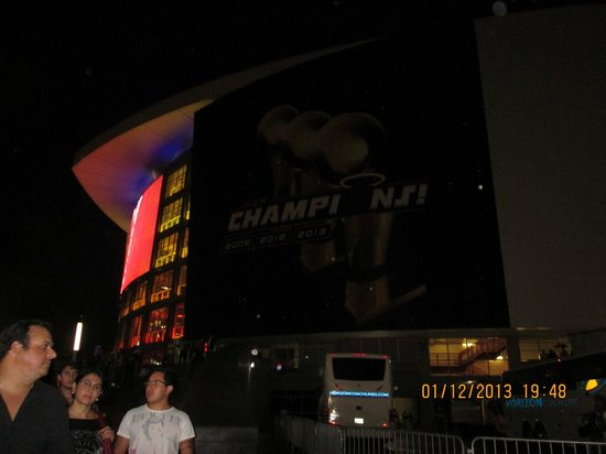 American Airlines Arena: Desde afuera
