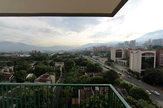 Hotel Santa Ana Medellin: View from the balcony.