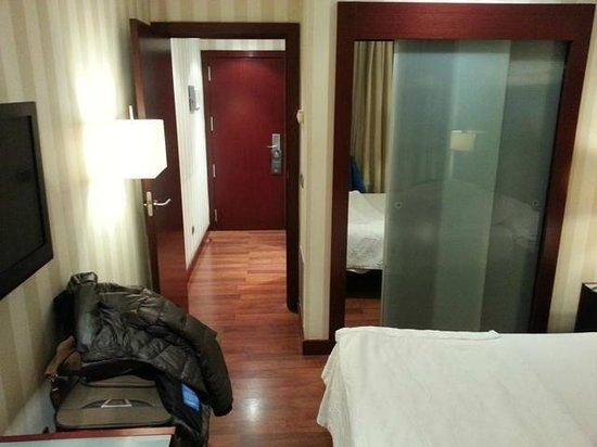 Hotel Zenit Bilbao: Habitación