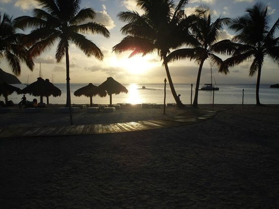 Marigot Palms Luxury Caribbean Guesthouse and Apartments: Sunset at Sugar Beach