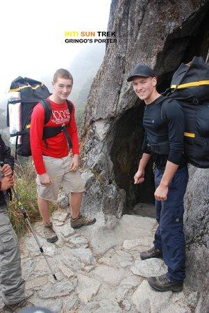 Inti Sun Trek: Gringo's porters