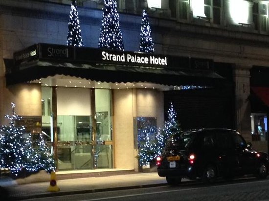 Strand Palace Hotel : Early December Morning