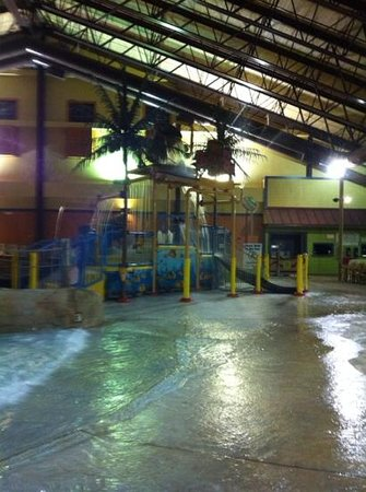 Red Jacket Mountain View Resort & Water Park: kiddy water slides