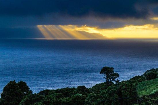 Adegas do Pico : Casa do Misterio — the view at dawn