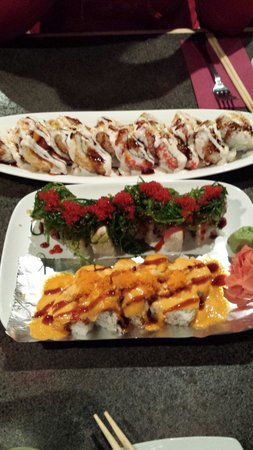 Matsu Ya : Top to bottom: Hana Roll, Mistletoe Roll, TNT Roll