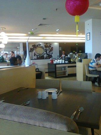 Promenade Hotel Tawau : Dinning area