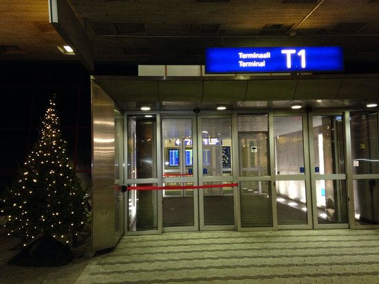 Radisson Blu Plaza Hotel, Helsinki : Entrance of T1 Arrival