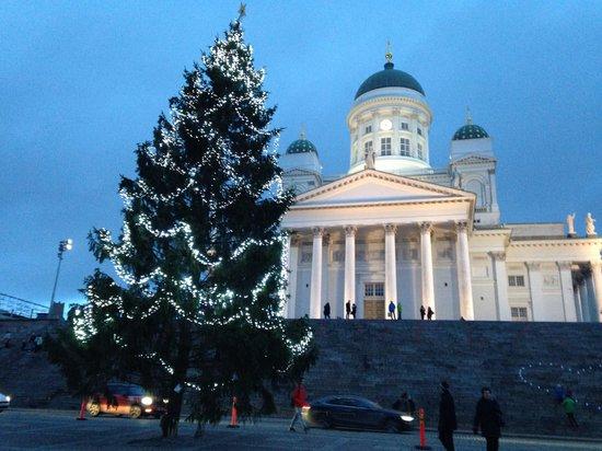 Radisson Blu Plaza Hotel, Helsinki: Walking distance to Senate House
