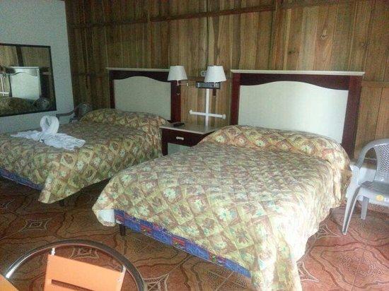 Hotel Rey Arenal: Habitación