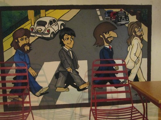 New Especias: Cool Beatles mural at the entrance