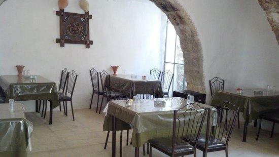 Fienans Way Restaurant: The interior of the restaurant...rather pristine!