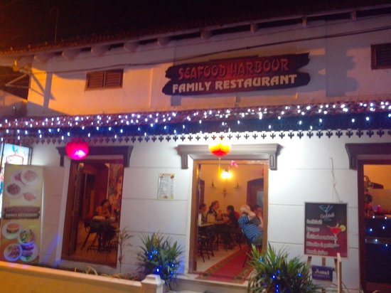 Seafood Harbour: One of the oldest Restaurant in Fortkochi
