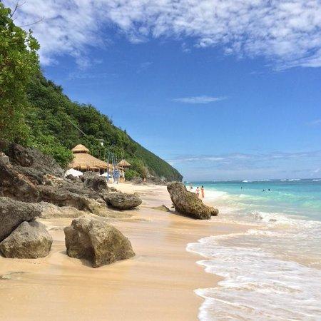 Sundays Beach Club: the beach - gorgeous!