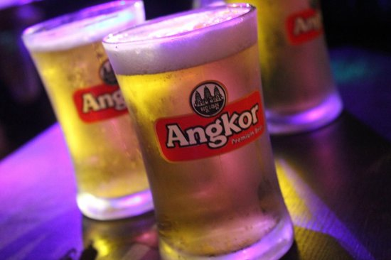 Angkor Dream Villa: Free booze from the owner!