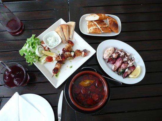 Cool Breeze Cafe Bar: Tapa's