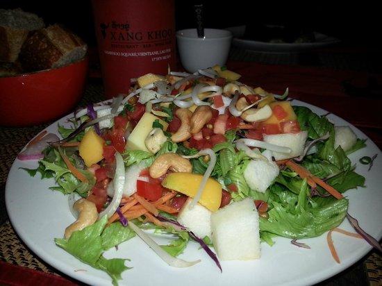 Xang Khoo Restaurant: salad