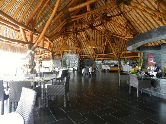 Maitai Lapita Village Huahine : bar plus salle de restauration