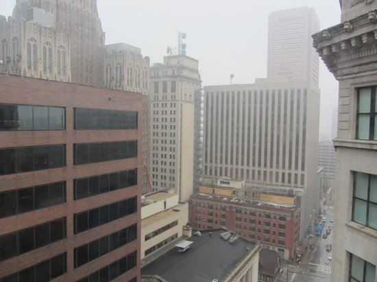 Kimpton Hotel Monaco Baltimore Inner Harbor : Foggy view from room