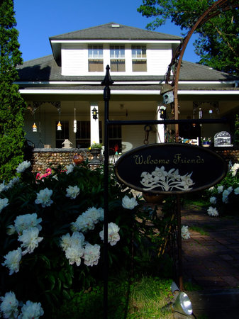 Cobblestone Bed and Breakfast: Entrance of Cobblestone B&B
