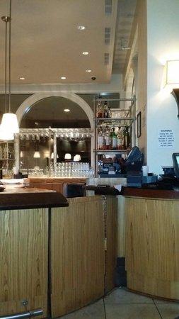 Loews Santa Monica Beach Hotel: Bar