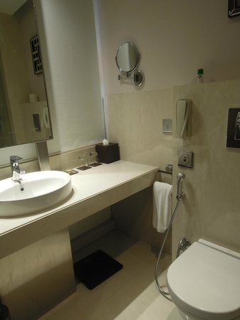 Park Plaza Kolkata Ballygunge: salle de bain