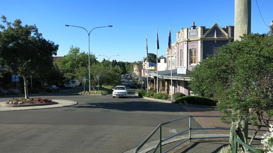 Leura Mall: View from above the train station