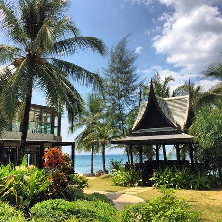 Natai Beach Resort & Spa, Phang-nga : Near the pool