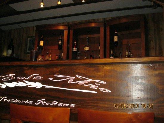 O'Sole Mio Trattoria Italiana: Restaurant bar