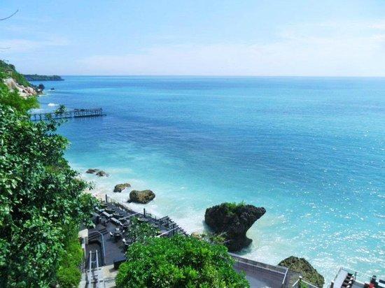 AYANA Resort and Spa: ロックバーに行くリフト