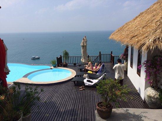 Aminjirah Resort: Our room