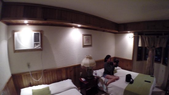 Fosters, West Bay: Inside the Room
