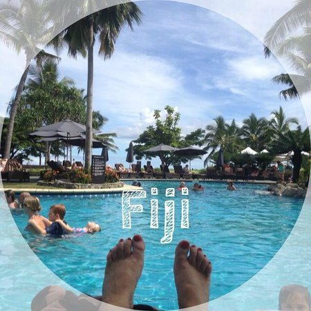 Sofitel Fiji Resort & Spa: Lazing by the Sofitel pool