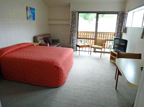 Hanmer Resort Motel: Upstairs room
