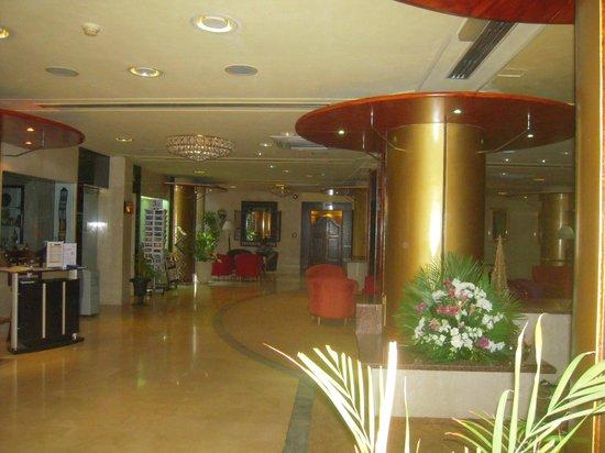 Ras Al Khaimah Hotel: Hall d' entrée