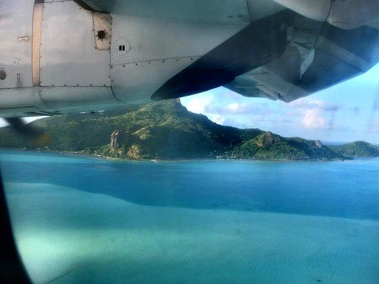 Le Kuriri : Veduta aerea di Maupiti