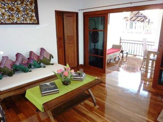Jasmine Hills Villas & Spa: 3 - Living room overlooking balcony