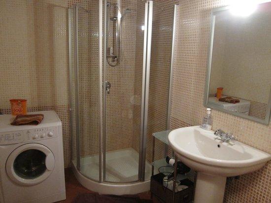 Anfiteatro Apartments - 2Italia : bathroom