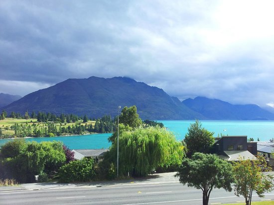 Copthorne Hotel & Apartments Queenstown Lakeview: view from room