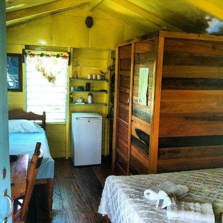 Colinda Cabanas: Colinda Cabana room
