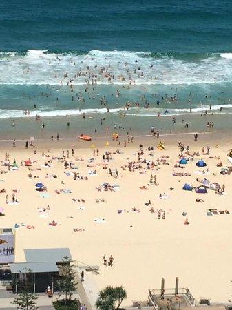 Beachcomber Resort Surfers Paradise: Close up of beach from balcony