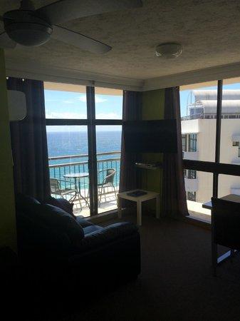 Beachcomber Resort Surfers Paradise: View from bathroom door