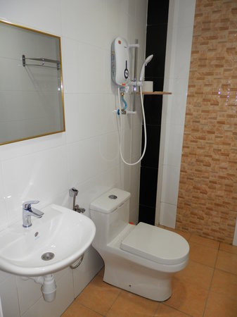 LKS Hotel: All rooms are bathroom ensuite