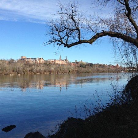 Potomac Heritage National Scenic Trail: George Washington University view