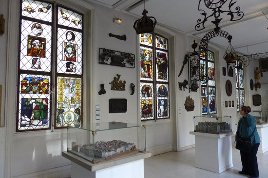Musee Carnavalet in Le Marais