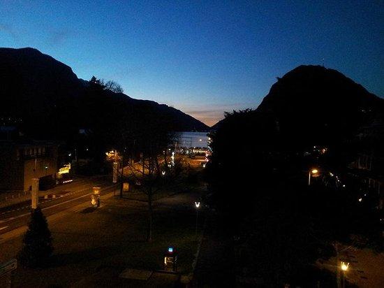 Hotel Pestalozzi Lugano: Vista dalla camera all'alba