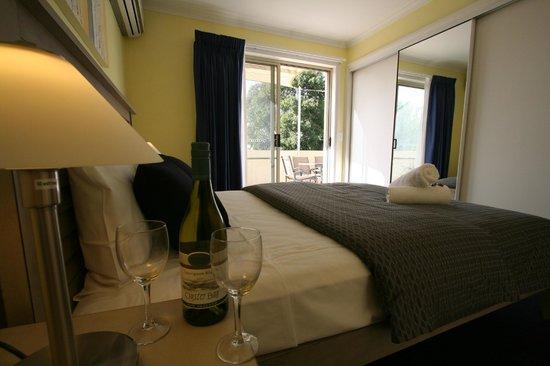 Hamilton Townhouse Motel: Townhouse Master Bedroom