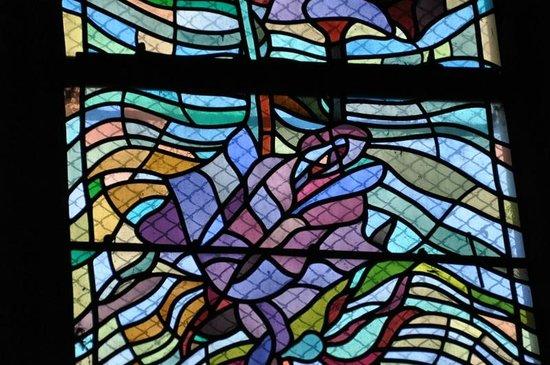 Les vitraux de Jean Cocteau à l'église Saint-Maximin de Metz : Cocteau windows