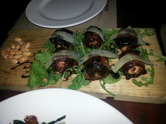 Luggage Room Pizzeria: Bacon-almond dates with goat cheese $9